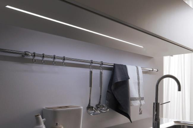 Barra Led sottopensile: 180 cm - Led Piemonte